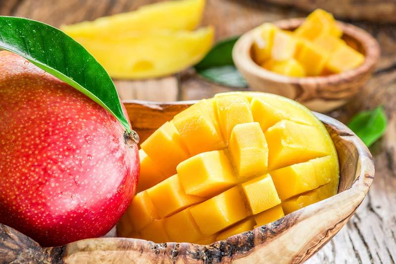 Find out if mango is fattening and the properties of this tropical fruit