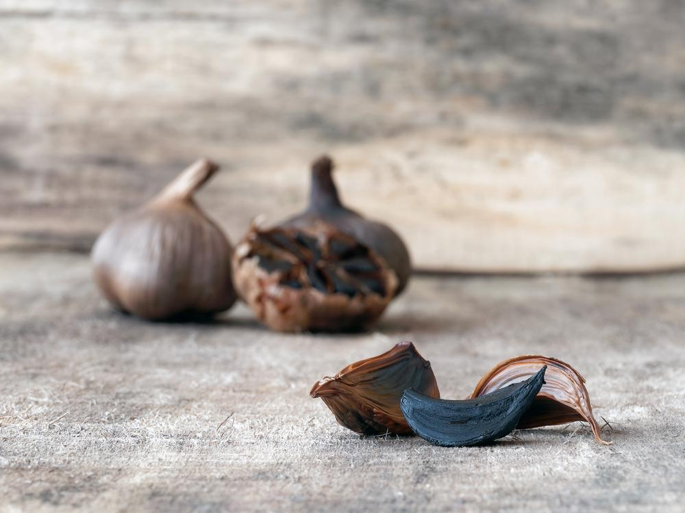 Black garlic is a superfood thanks to its properties