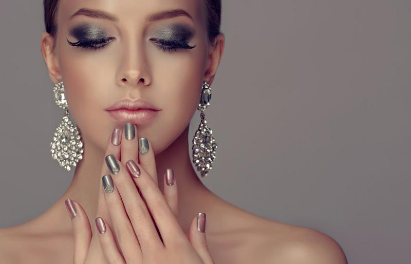 Discover how to do permanent nails and best tips to make them look perfect